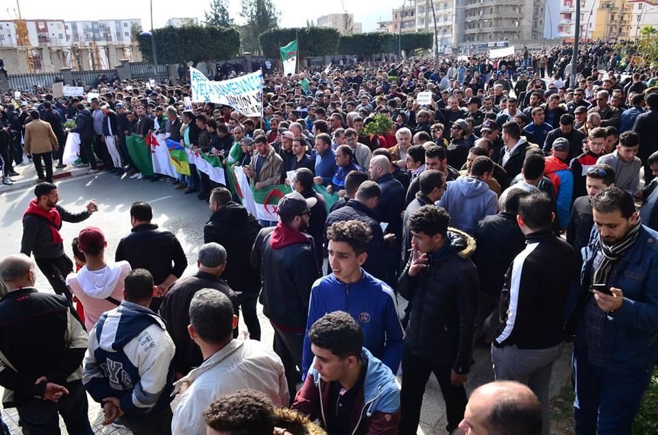 imposante marche contre le 5e mandat de Bouteflika à Bejaia le vendredi 22 février 2019 1187