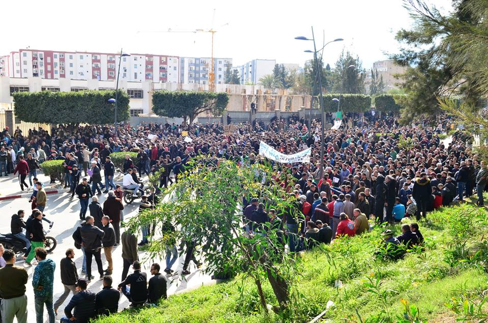 imposante marche contre le 5e mandat de Bouteflika à Bejaia le vendredi 22 février 2019 1188