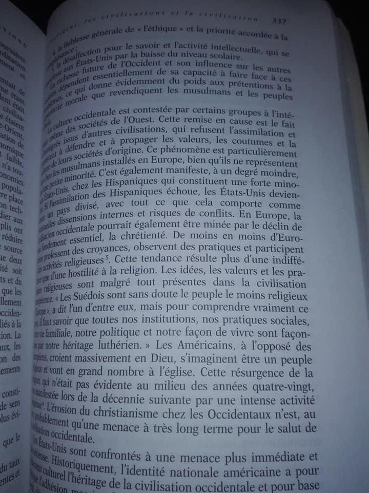 Samuel Huntigton parle du declin moral de l'occident  12404