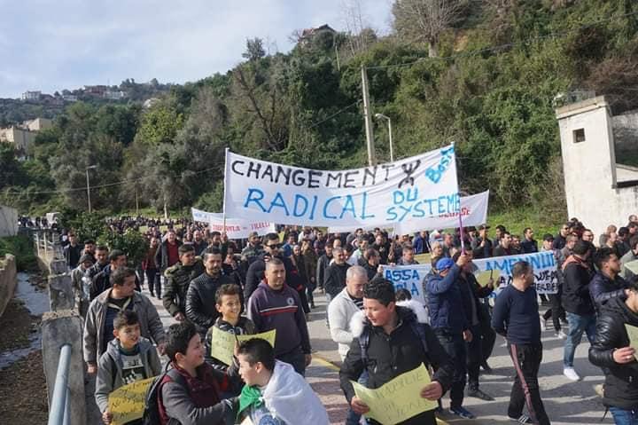 Marche à Aokas le mercredi 27 février 2019 pour exiger le départ de ce système voyou et mafieux 1394