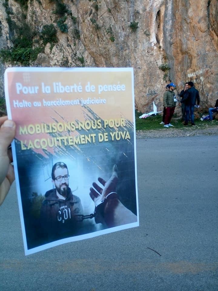 Yuva Bouakaz  un chrétien de la région d'Aoaks ,a fui l'Algerie en harag!  14057210