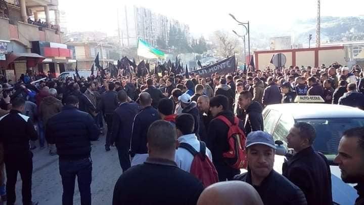 Imposante manifestation contre le cinquième mandat à Kherrata le samedi 16 février 2019 1535