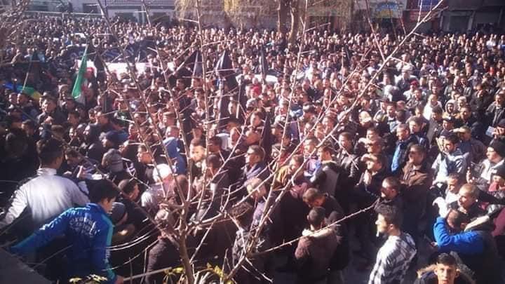 Imposante manifestation contre le cinquième mandat à Kherrata le samedi 16 février 2019 1537