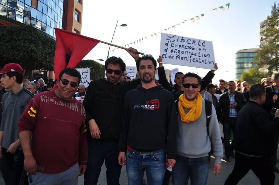Une grandiose marche à Béjaïa le vendredi 01 mars 2019 contre le système  - Page 2 1571