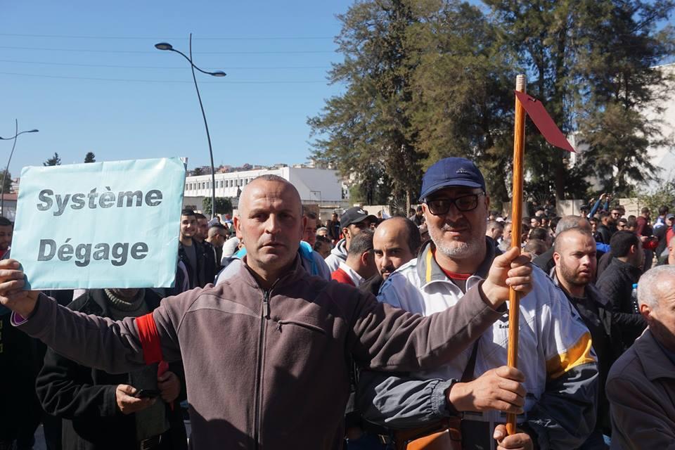 Une grandiose marche à Béjaïa le vendredi 01 mars 2019 contre le système  - Page 2 1576