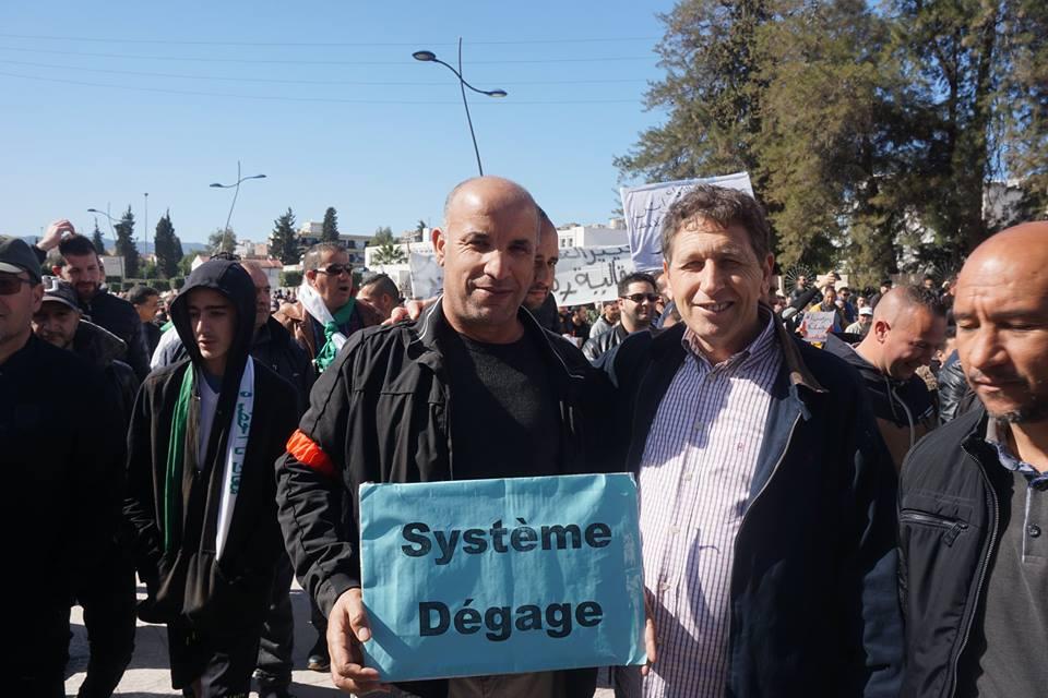 Une grandiose marche à Béjaïa le vendredi 01 mars 2019 contre le système  - Page 2 1577