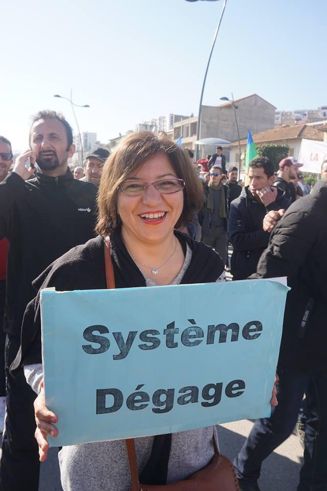 Une grandiose marche à Béjaïa le vendredi 01 mars 2019 contre le système  - Page 2 1593