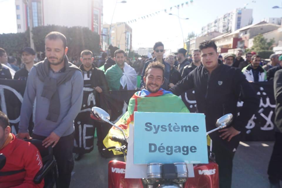 Une grandiose marche à Béjaïa le vendredi 01 mars 2019 contre le système  - Page 3 1597