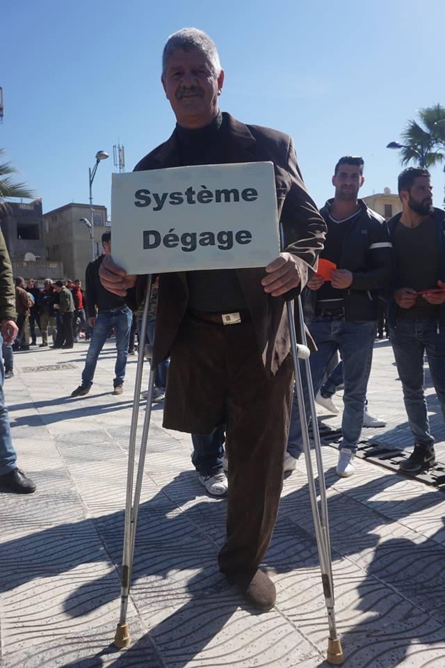 Une grandiose marche à Béjaïa le vendredi 01 mars 2019 contre le système  - Page 3 1608