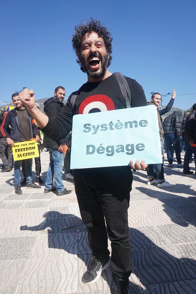 Une grandiose marche à Béjaïa le vendredi 01 mars 2019 contre le système  - Page 3 1623
