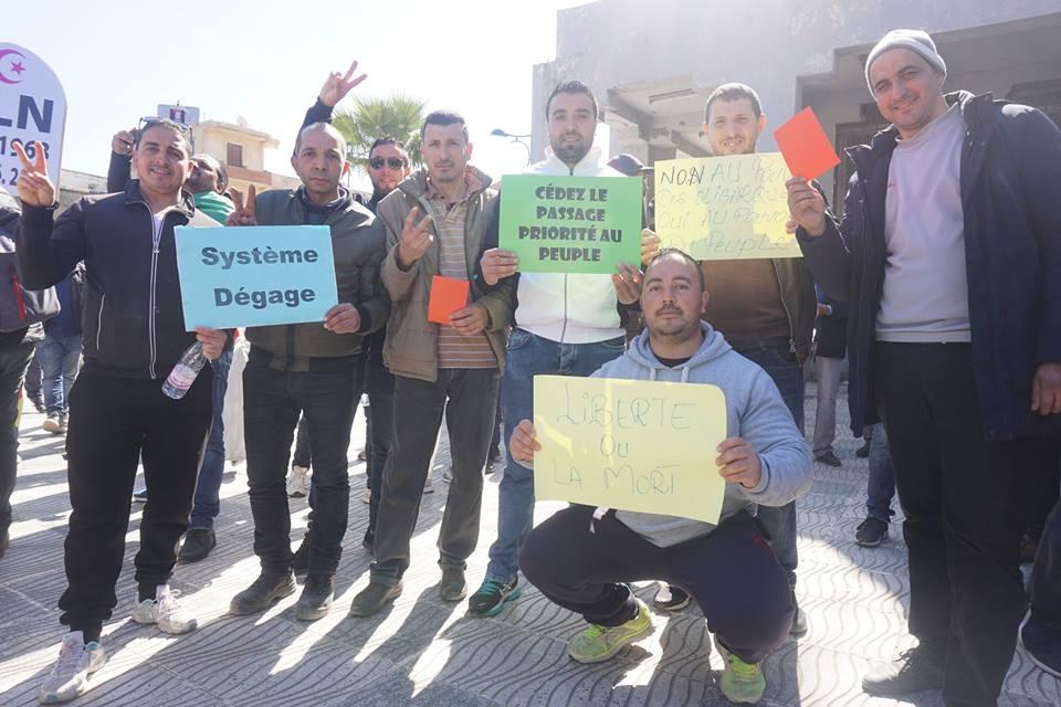 Une grandiose marche à Béjaïa le vendredi 01 mars 2019 contre le système  - Page 3 1624