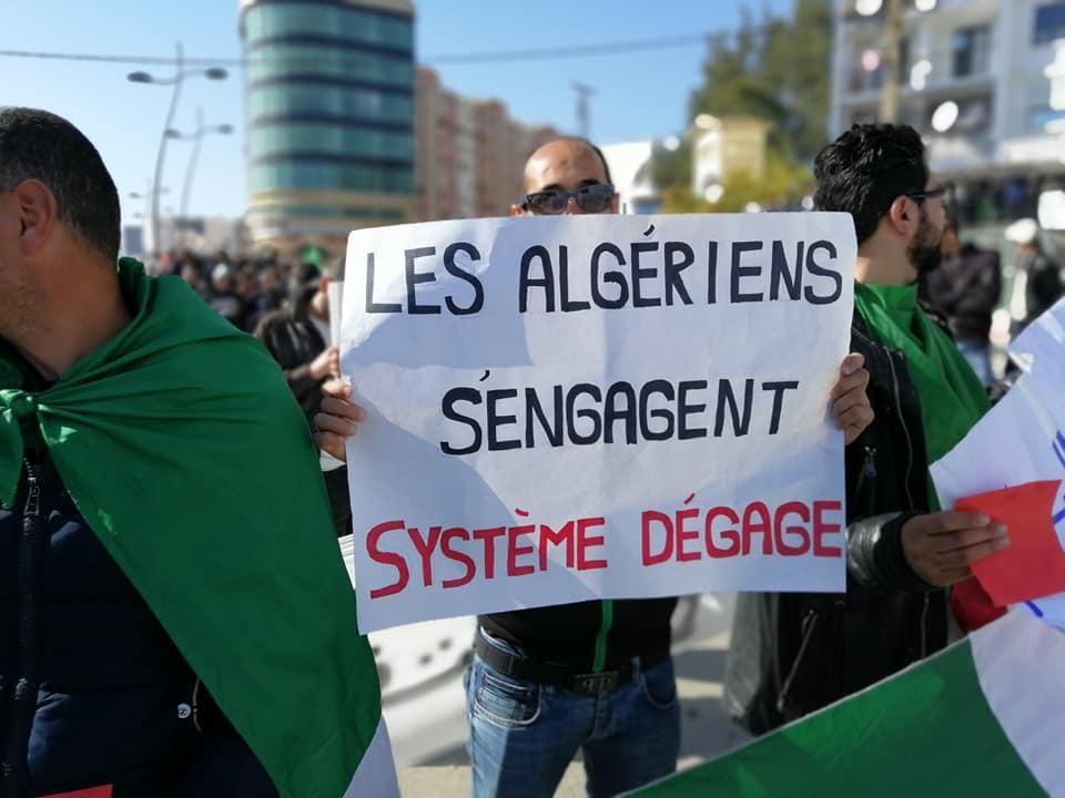 Une grandiose marche à Béjaïa le vendredi 01 mars 2019 contre le système  - Page 4 1636
