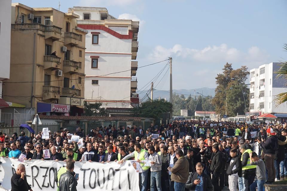 marche des libertés le 10 décembre 2018 à Bejaia pour libérer Merzouk Touati et tous les détenus d'opinion 20203