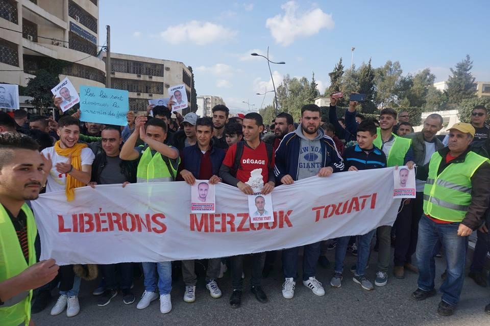 marche des libertés le 10 décembre 2018 à Bejaia pour libérer Merzouk Touati et tous les détenus d'opinion 20217