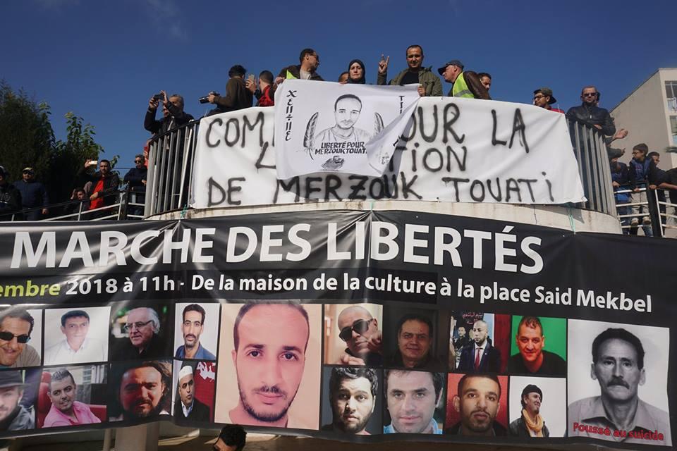 marche des libertés le 10 décembre 2018 à Bejaia pour libérer Merzouk Touati et tous les détenus d'opinion - Page 2 20223