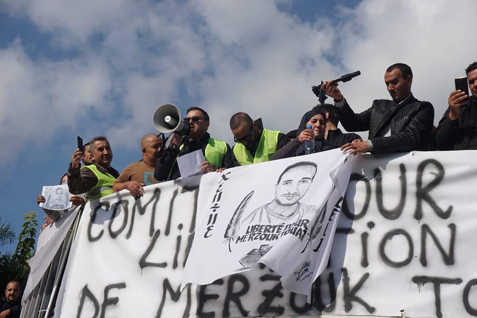 marche des libertés le 10 décembre 2018 à Bejaia pour libérer Merzouk Touati et tous les détenus d'opinion - Page 2 20229