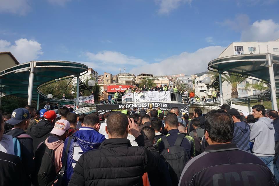 marche des libertés le 10 décembre 2018 à Bejaia pour libérer Merzouk Touati et tous les détenus d'opinion - Page 2 20230