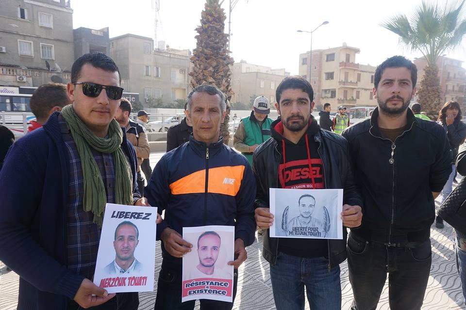 marche des libertés le 10 décembre 2018 à Bejaia pour libérer Merzouk Touati et tous les détenus d'opinion - Page 2 20238