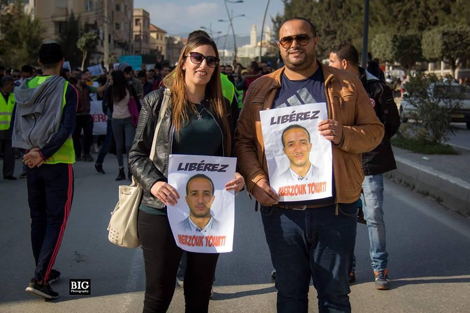 marche des libertés le 10 décembre 2018 à Bejaia pour libérer Merzouk Touati et tous les détenus d'opinion - Page 3 20278