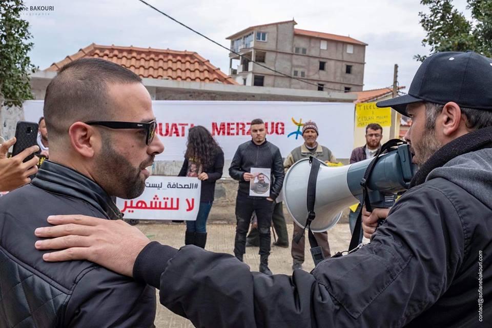 Rassemblement à Aokas pour demander la libération de Adlene Mellah et de tous les détenus d'opinion - Page 2 20418