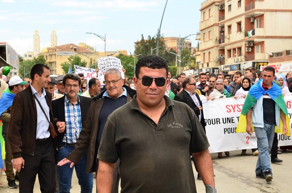 Mardi, 21 mai 2019, la communauté universitaire de Bejaia ainsi que les robes noires réitèrent leur ras-le-bol des manigances de Gaid et consorts. 2327