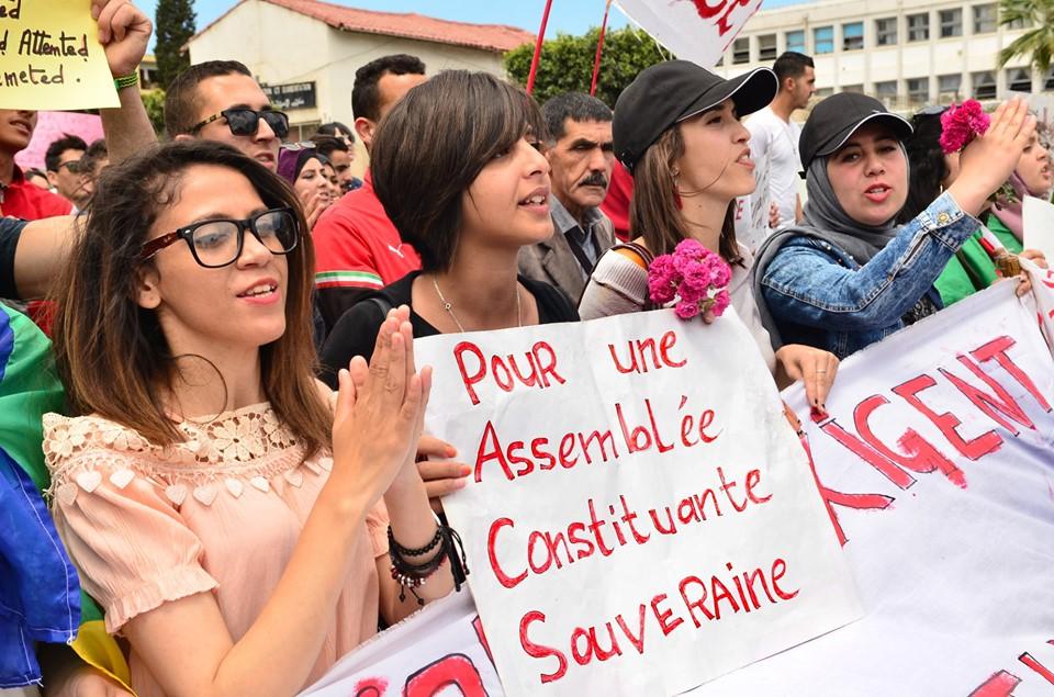 Mardi, 21 mai 2019, la communauté universitaire de Bejaia ainsi que les robes noires réitèrent leur ras-le-bol des manigances de Gaid et consorts. 2332