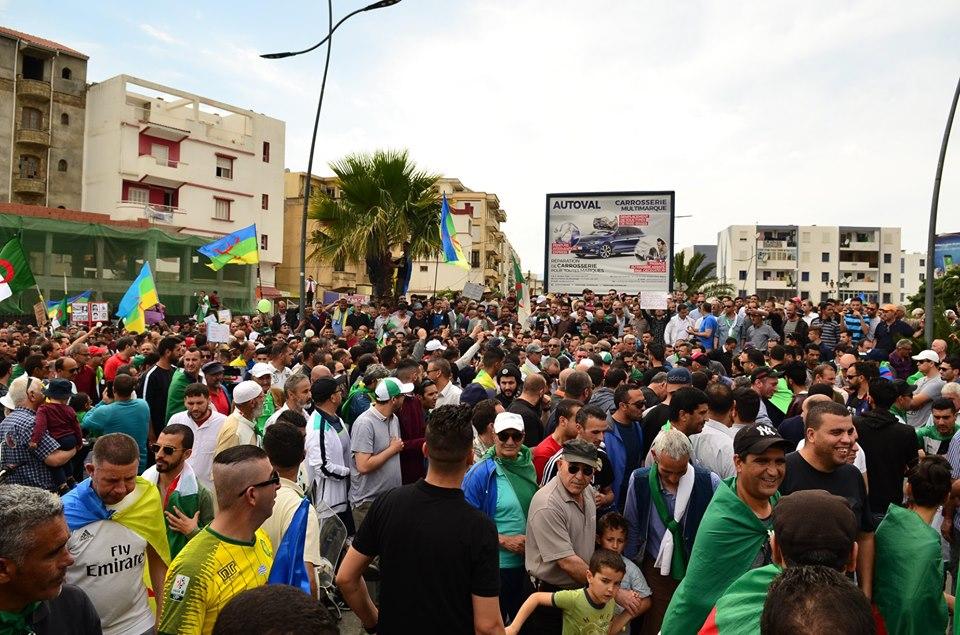 Bejaia, 24 mai 2019, Acte 14. Mobilisation massive et déterminée à faire chavirer le plan de Gaid et consorts - Page 2 2409