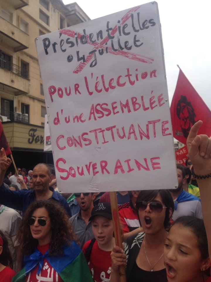 Bejaia, 24 mai 2019, Acte 14. Mobilisation massive et déterminée à faire chavirer le plan de Gaid et consorts - Page 3 2450