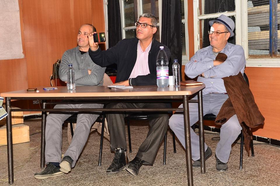 Conférence-débat autour de la révolutionnaire populaire en cours en Algérie à Aokas  2470