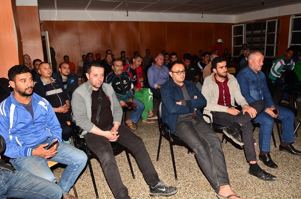Conférence-débat autour de la révolutionnaire populaire en cours en Algérie à Aokas  2471