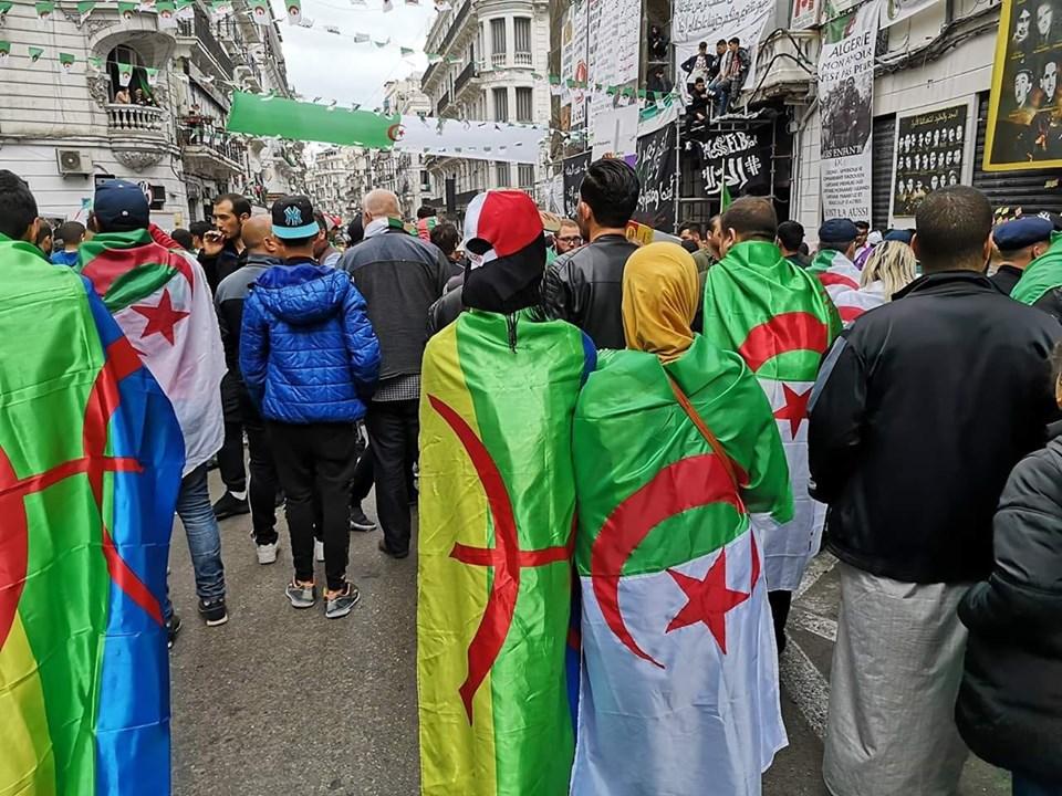 Pourquoi toute cette haine envers le drapeau Amazigh?  2538