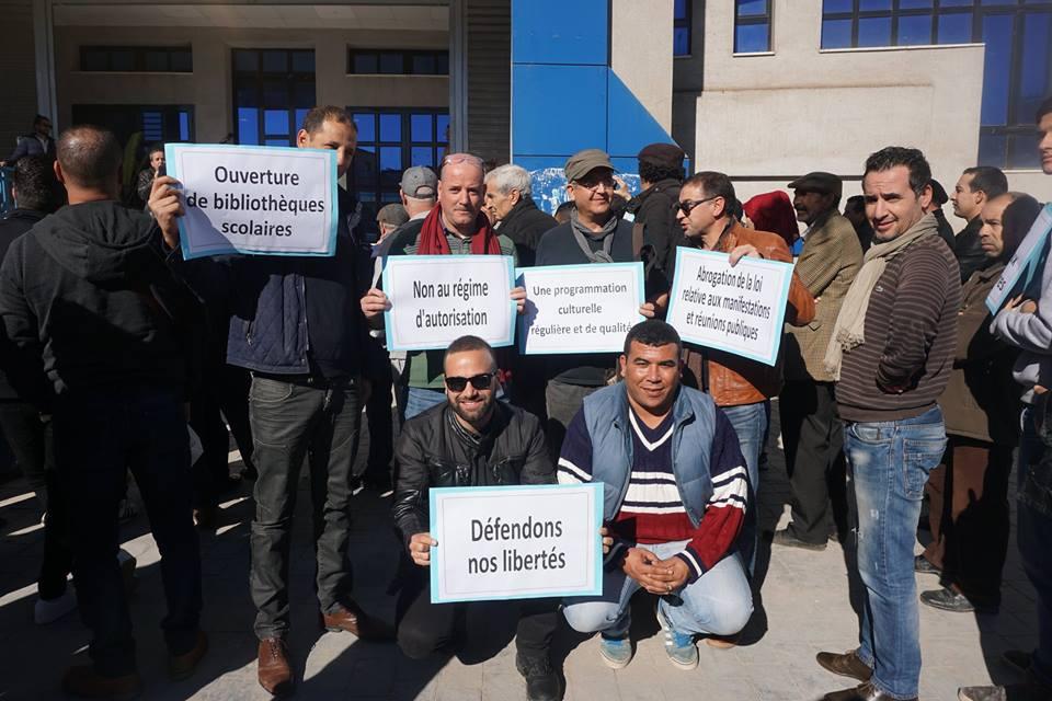 Béjaïa : Des militants se mobilisent pour la culture - Page 2 30119