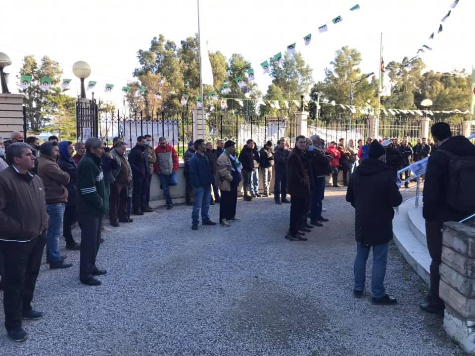 Action de soutien de toutes les sections SNAPAP pour le syndicaliste et militant Karim Djidjeli le 30/12/2020 5276