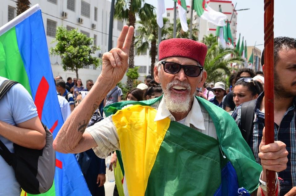 Bejaia: Mardi, 02 Juillet 2019. Dix-neuvième marche de la communauté universitaire pour dénoncer la justice aux ordres et exiger la libération de tous les détenus d'opinion. 574