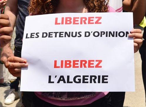 Bejaia: Mardi, 02 Juillet 2019. Dix-neuvième marche de la communauté universitaire pour dénoncer la justice aux ordres et exiger la libération de tous les détenus d'opinion. 592