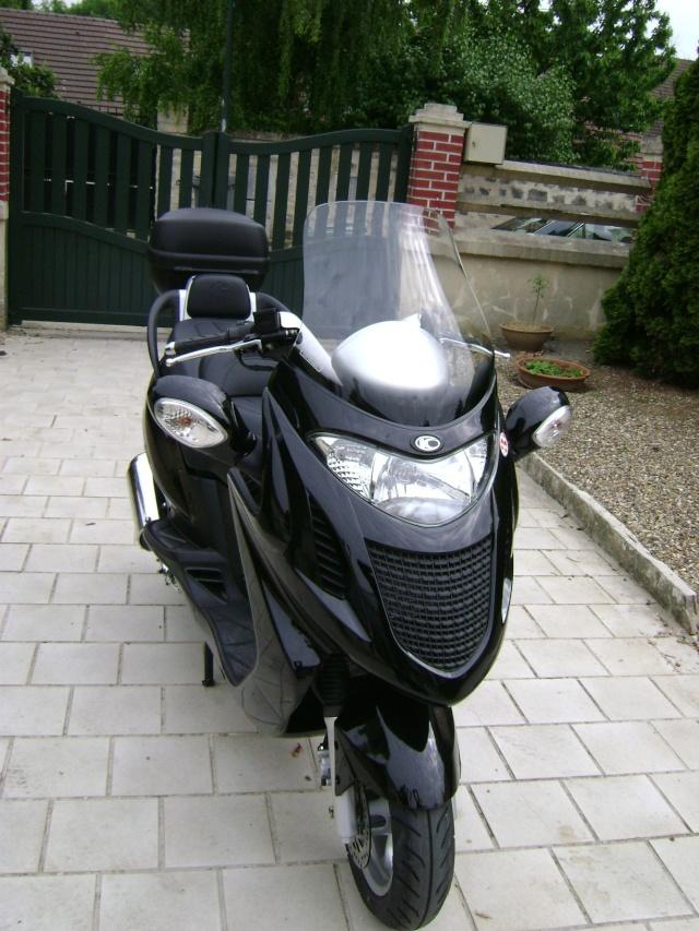 A vendre Scoot 125cc et porte-moto Dsc00711