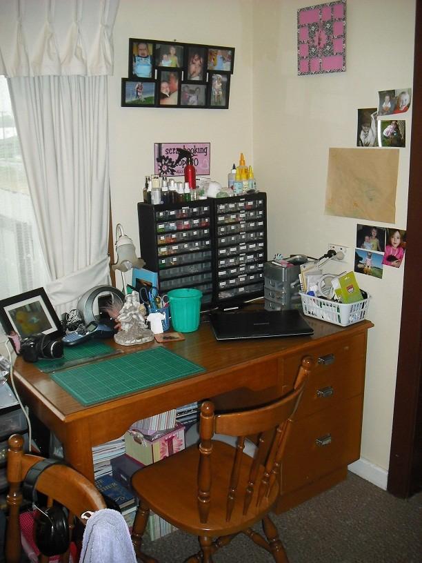 Show us your scrap space! Desk10