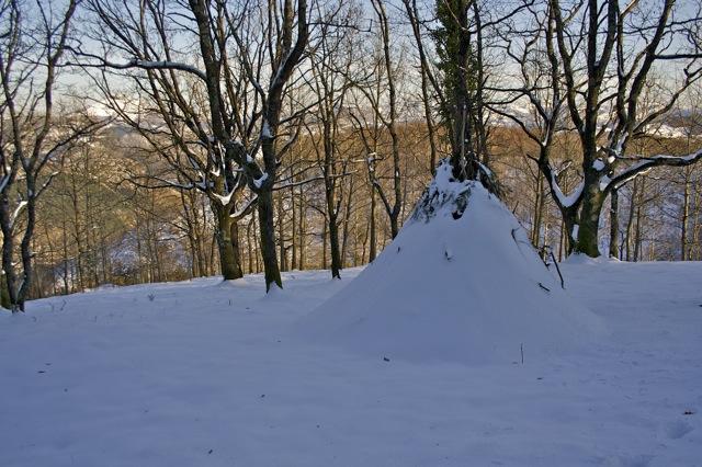 [Abri] Hutte de camp de base façon tchoum sibérien Tchum10