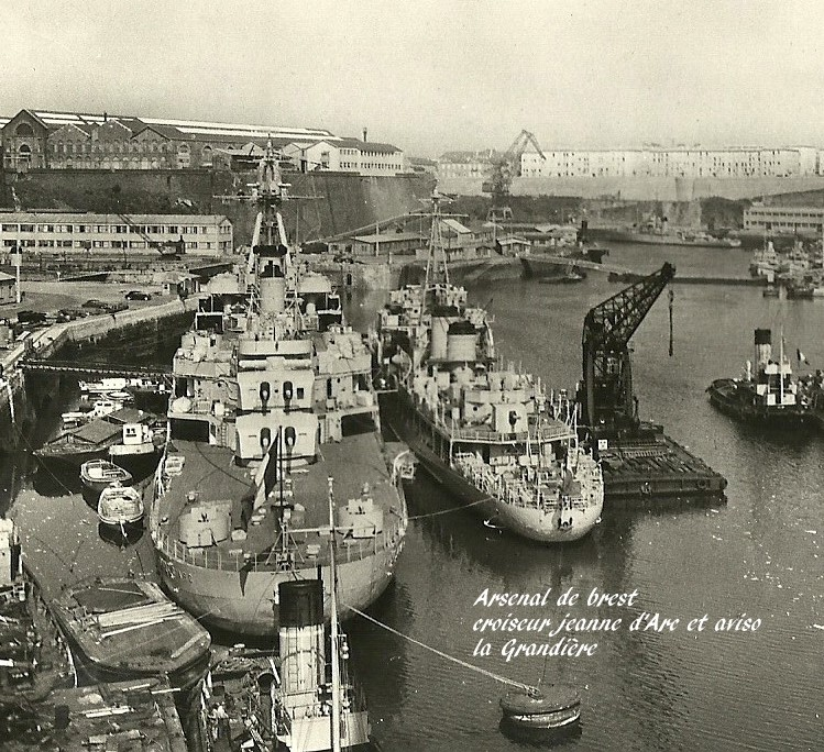 [Les ports militaires de métropole] Port de Brest - TOME 1 - Page 7 Arsena10