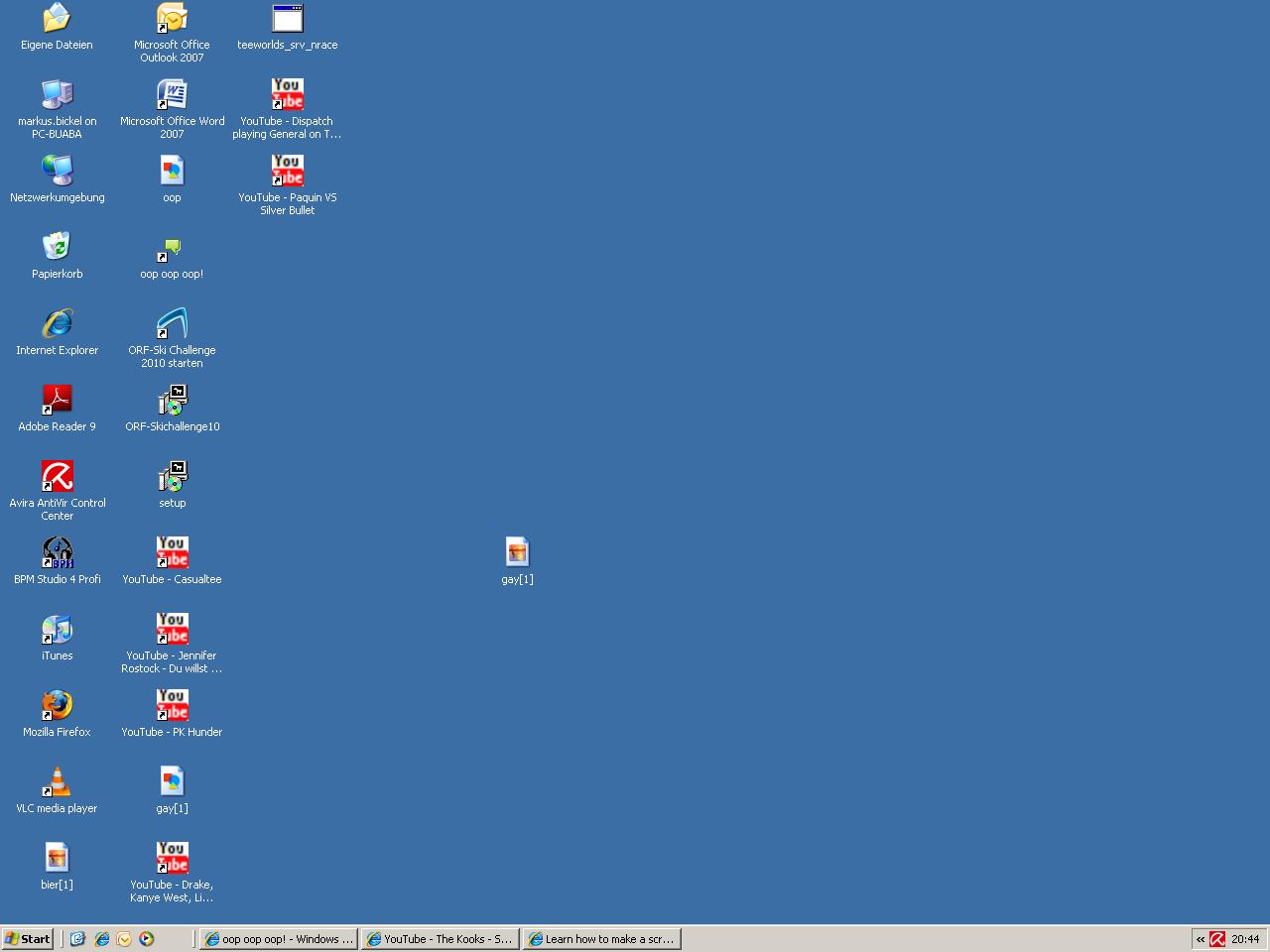 How does ur desktop look like ? mine is better anyway Screen10