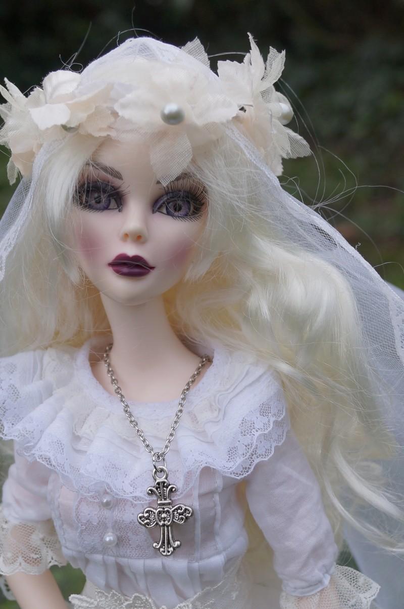 Evangeline en marièe du cimetière  par Mellody Dsc01117