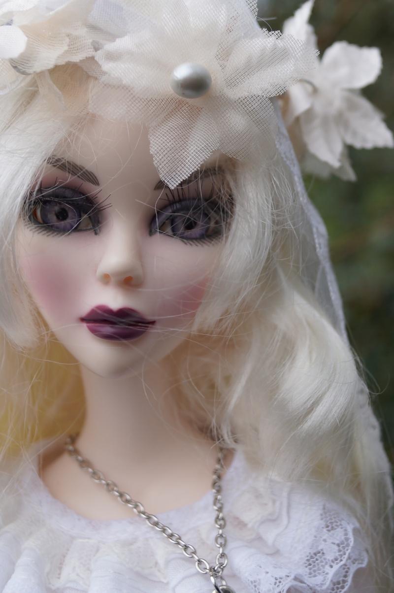 Evangeline en marièe du cimetière  par Mellody Dsc01122