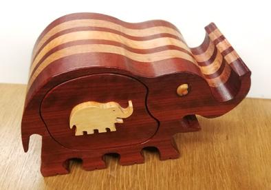 l'éléphant en bois de corail Elepha11