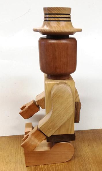 Il marche le bonhomme en bois Legoas11