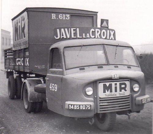 Les tracteurs FAR 27923612