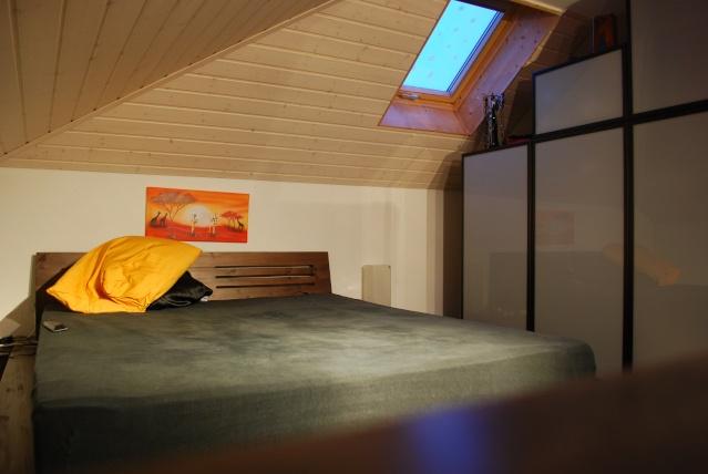 Chambre à coucher - comment placer les meubles Dsc_0113