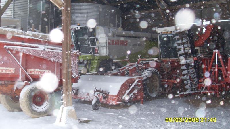 la neige est-elle arrivée chez vous ?  - Page 20 Neige_13