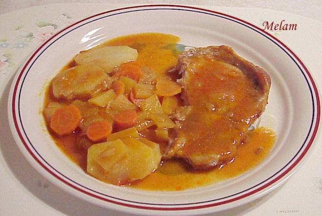 Côtelettes de porc et légumes en sauce tomate mijoteuse ou au four 15_cat10