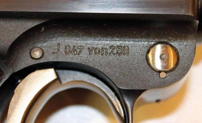P08 commémo à vendre Pistol17