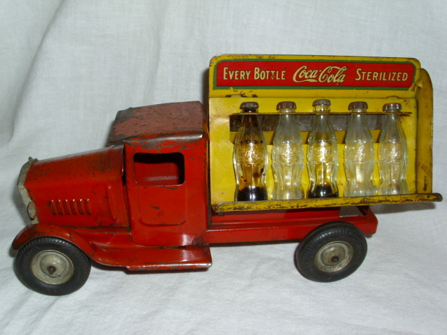 2 coca cola camion jouet 1940 and 1950  Coke_t10